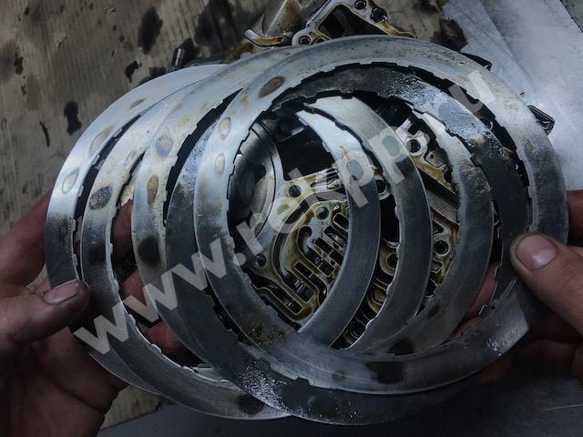 Горелые фрикционные и стальные диски 6F35